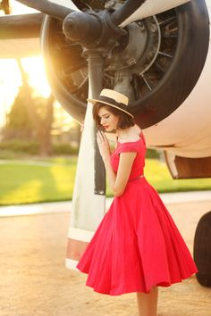 this look from the ModCloth Style Gallery! Luck be a lady is the name of a similar dress they have. ModCloth red A-line red dress, vintage Diva Fashion, Cute Fashion, Retro Fashion, Fashion Beauty, Vintage Fashion, Pin Up, Fashion Gallery, Up Girl, Cheap Dresses