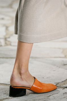 Loewe Spring 2015 Ready-to-Wear Fashion Show Details