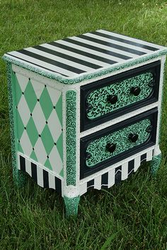 painted furniture wonders. I paint all kinds of yard sale finds and always looking for new ideas, too cute.rcl