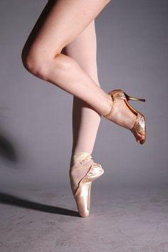 www.theworlddances.com/ #ballet #twinkletoes #dance