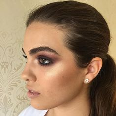 Bold brows and glow @miaconnor  #anastasiabrows