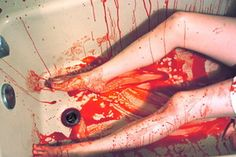 Bloody_Mess_by_depressedfallenangel.jpg (300×200)