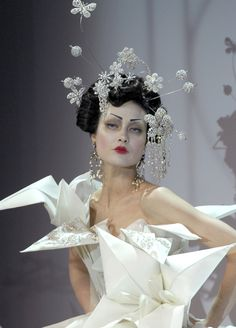 The Snow Queen [Origami Inspiration: John Galiano for Dior. ZsaZsa Bellagio – Like No Other: Coooool Stuff]