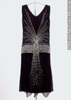 Art Deco infused evening dress, 1925, Musee McCord - the design era of the 1920s is such a treasure trove for pretty things!