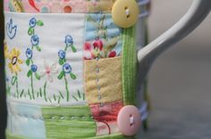 Quilted mug cosy.