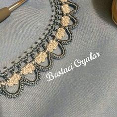 Fotoğraf açıklaması yok. Crochet Lace Edging, Crochet Flower Tutorial, Crochet Borders, Bead Crochet, Filet Crochet, Crochet Flowers, Hand Embroidery Dress, Embroidery On Clothes, Indian Embroidery