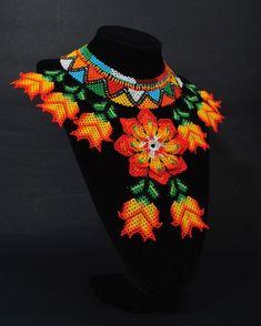 Bead Jewellery, Beaded Jewelry, Jewelery, Crochet Necklace, Beaded Necklace, Jewelry Patterns, Beaded Flowers, Bead Art, Bead Weaving