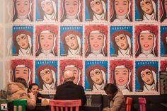 En la Emolienteria Bar 28 de Agosto – 31 de Octubre del 2014 / Poster Santa Rosa and Marilyn Wall / Fotos: Yulia Katkova