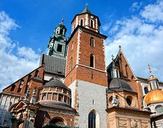Krakow, New Work, Notre Dame, Behance, Mansions, House Styles, Gallery, Building, Check