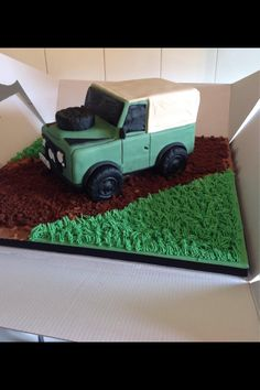 Discover recipes, home ideas, style inspiration and other ideas to try. Land Rover Defender Camping, Land Rover Defender Interior, Defender Camper, Defender 130, 60th Birthday Party, Man Birthday, Land Rover Pick Up, Jeep Cake, Cake Design Inspiration