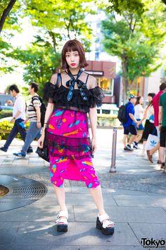 Japanese Engineer in Sheer Ruffle Top & Pink Skirt w/ Fig&Viper Oh Pearl & Sankaku Japan Street Fashion, Tokyo Street Style, Tokyo Fashion, Harajuku Fashion, Lolita Fashion, Fashion Outfits, Tokyo Style, Harajuku Girls, Korean Fashion Trends