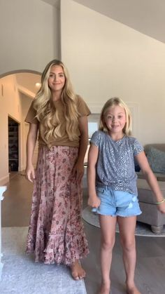 Cole And Savannah, Savannah Chat, Sav And Cole, Dance Choreography Videos, Dance Videos, Everleigh Rose, Cool Dance Moves, Funny Videos For Kids, Prom Dresses