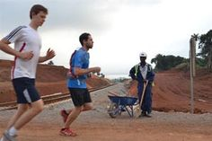 Απίστευτος  μαραθώνιος της Αφρικής για… τα παιδιά του δρόμου! Greece, Action, Running, Sports, Greece Country, Hs Sports, Group Action, Keep Running, Why I Run