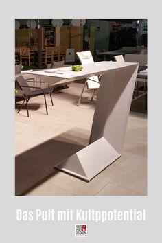 C3 - Multifunktionales Stehtisch mit Blickfangqualität. Das zeitlose Stehpult eignet sich für daheim genauso wie fürs Büro oder für die Bühne. Witterungsbeständiges Material GFK macht auch Einsätze im Freien möglich. Für Interior auch aus Holz gefertigt. Kontakt +43 699 1599 0977 #stehtisch, #stehpult, #RiesProDesign Designer, Modern, Material, Linz, Stand Up Desk, Pedestal Desk, Patio Tables, Decorative Lighting, Trendy Tree