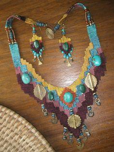 weaving with needle jewelry Fiber Art Jewelry, Textile Jewelry, Fabric Jewelry, Jewelry Art, Macrame Jewelry, Bohemian Jewelry, Custom Jewelry, Handmade Jewelry, Pin Weaving