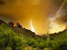 Lightning in Arizona. I love Arizona! Superstition Mountains Arizona, Arizona Mountains, Beautiful World, Beautiful Places, Lightning Photos, Mountain Wallpaper, Bermuda Triangle, Photos Voyages, Tornados