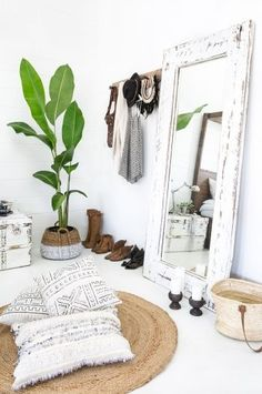 bedroom white bohemian boho naturals mirror bedroomideas basket candle whitecandle bohemian decor Converting simple rooms to modern bohemian bedroom styles Bedroom Inspo, Home Decor Bedroom, Bedroom Ideas, Bedroom Furniture, Design Bedroom, Budget Bedroom, Furniture Sets, Furniture Decor, Bedroom Chair