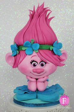 Poppy cake!! If you are planning an unforgettable Trolls party, this is the cake !! By Fernanda Abarca Cakes.