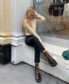 These are seven skinny jeans–and-boots outfits fashion girls swear by and are worth repeating. Shop the pieces here to re-create their looks. Black Platform Sandals, Platform Shoes, Platform Boots Outfit, Daily Fashion, Girl Fashion, Fashion Outfits, Marie Von Behrens, Ugly Shoes, Winter Stil