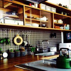 136さんの、モスポット,キッチン収納,タイル,サボテン,多肉植物,男前,キッチン,のお部屋写真