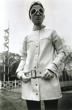 Radical Shades Man - Space Age Sunglasses – Voices of East Anglia Sixties Fashion, Mod Fashion, Vogue Fashion, Vintage Fashion, Classic Fashion, Style Année 60, Image Mode, Space Fashion, Mod Girl