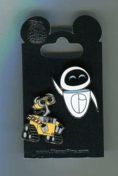 Disney Pins WALL E & EVE 2 Pin Set New on Card Character Trading Pins