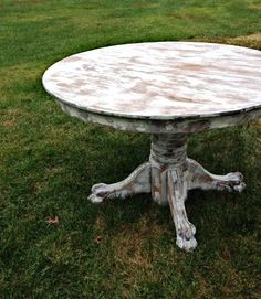 Round Whitewashed Tables: Antique oak pedestal tables with a gorgeous white washed finish.  Each table sits 4-6 guests.