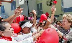 Em Salvador, Dilma critica propostas de um eventual governo do PMDB