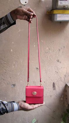 Coral Little Ellie, Chiaroscuro, India, Pure Leather, Handbag, Bag, Workshop Made, Leather, Bags, Handmade, Artisanal, Leather Work, Leather Workshop, Fashion, Women's Fashion, Women's Accessories, Accessories, Handcrafted, Made In India, Chiaroscuro Bags - 7