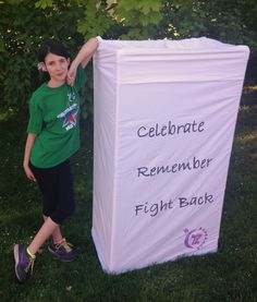 BIG Luminaria for Relay for Life or Holiday PDF Tutorial Instant Download by sonicka on Etsy https://www.etsy.com/listing/225488123/big-luminaria-for-relay-for-life-or