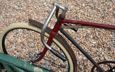 1917 Iver Johnson Cushion Truss Frame Track Racer – The Online Bicycle Museum Columbus Park, Bicycle Painting, Bicycle Race, Bike Stuff, Bicycles, Track, Cushions, Museum, Wood