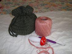 Live...Dream...Be!: FREE Crochet Pattern Today!http://barbiejknits.blogspot.com.br/2011/01/free-crochet-pattern-today.html