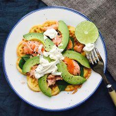 LCHF ostevafler med spinat, laks og avokado