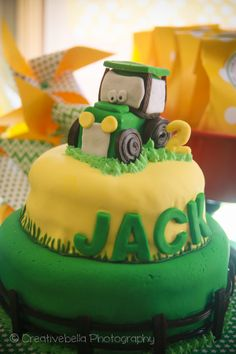 Creative Bella Photography / Sunshine Coast Photographer / Tractor / John Deere / Yellow / Green / Boy / 2 Year Old / 2nd Birthday / Farm Party / Cake / Theme / Food