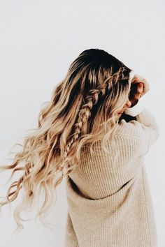 March Podcast: Freakonomics - Barefoot Blonde by Amber Fillerup Clark - Frisuren Trends Barefoot Blonde, Everyday Hairstyles, Hair Day, Gorgeous Hair, Gorgeous Blonde, Hair Looks, Hair Trends, Cool Hairstyles, Hairstyle Ideas