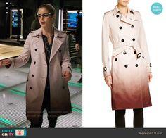 "Felicity Smoak wears this ombré Burberry ""Kensington"" trench on Arrow 5x09"