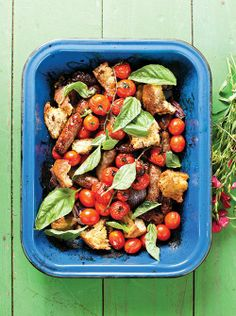 Oven roasted sausages with balsamic tomatoes / Oondgeroosterde worsies met balsemiektamaties Weeknight Meals, Easy Meals, English Food, Oven Roast, Ciabatta, Cherry Tomatoes, Pasta Salad, Poultry, Green Beans