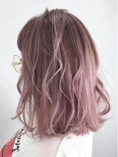 Pink Ash Hair, Pink Short Hair, Ashy Hair, Pastel Pink Hair, Hair Color Pink, Hair Dye Colors, Hair Color For Asian Skin, Korean Hair Color, Pretty Hair Color