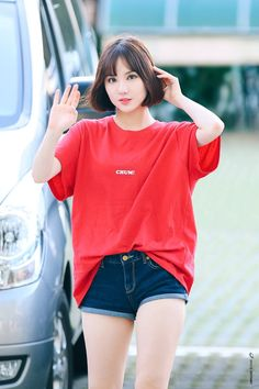 a good casual look, workin in the kitchen! Girl Outfits, Cute Outfits, Fashion Outfits, Kpop Fashion, Korean Fashion, Asian Woman, Asian Girl, Oppa Gangnam Style, Pretty Asian
