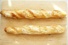 """Baguette ganz einfach selber backen """"Are you Mr. Is this the cooking lab? """"Outside the door stood Luigi, Capreze's little robot, with a microphone in his hand. His headlights turned Luigi, German Bread, German Desserts, French Baguette, Artisan Bread, How To Make Bread, Bread Baking, Grilling Recipes, Crepes"""