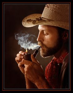 Joe smokes a pipe This is my attempt at a classic old style portrait. Man Smoking, Cigar Smoking, Pipe Smoking, Best Pipe Tobacco, Cigars And Women, Cowboy Horse, Thing 1, Business Portrait, Bearded Men