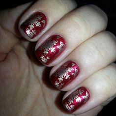 #nailart #christmasnails #snowflakes #nailstamping