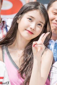 Singer Fashion, Iu Fashion, Fashion Models, Cute Korean Girl, Asian Girl, Korean Beauty, Asian Beauty, Korean Celebrities, Celebs