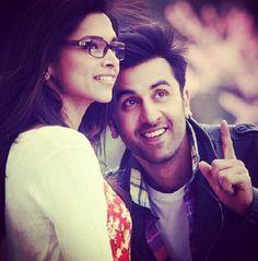 Sooo cute : Ranbir Kapoor and Deepika Padukone