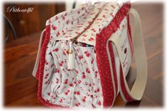 Sac Organiseur ...22 poches !!! - Un petit bout de fil... Sewing Patterns, Sewing Kits, Baby Car Seats, Quilts, Embroidery, Handmade, Crafts, Bags, Deco