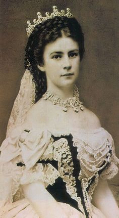 Empress Elisabeth of Austria and Queen of Hungary. A photograph of Elisabeth on the day of her coronation as Queen of Hungary, 8 June 1867 Kaiser Franz Josef, Franz Josef I, Princesa Sissi, Empress Sissi, Royal House, Royal Jewels, Crown Jewels, Women In History, European History