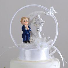 06e4e07a5da2ab Duża figurka chłopca - idealna dekoracja tortu komunijnego! Figurka chłopca  z tłem w postaci księżyca