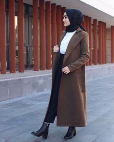 Hijabi street style bloggers – Just Trendy Girls Modern Hijab Fashion, Street Hijab Fashion, Muslim Women Fashion, Hijab Fashion Inspiration, Fashion Outfits, Abaya Fashion, Hijab Style, Hijab Chic, Style Hair