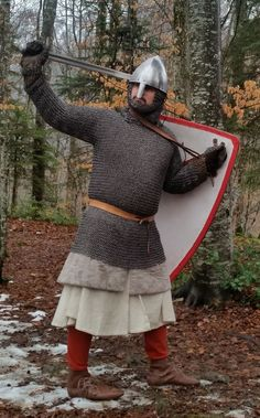 Shield Straps and Holding of the Shield in the Early Century Medieval Knight, Medieval Armor, Medieval Fantasy, Knight Shield, Viking Garb, Germanic Tribes, Live Picture, 11th Century, Anglo Saxon