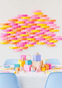 Paper Shaper: 5 DIY Party Projects with Paper - Baby Shower Party Decorations Party Kulissen, Party Fiesta, Craft Party, Party Time, Party Favors, Party Ideas, Party Hats, 21st Party, Sleepover Party